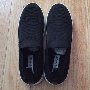 Steve Madden Shoes - Steve Madden slip-on